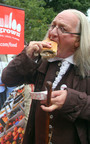 Benjamin Franklin took the first bite of a new locally sourced Philadelphia cheesesteak. The Greater Philadelphia Tourism Marketing Corporation asked Chef Steve Poses for a new take on the iconic sandwich as part its Philly Homegrown(TM) campaign to showcase the area's 100-mile foodshed. The Philly Homegrown(TM) Cheesesteak is available for $8.25 at Philadelphia's Franklin Institute Science Museum through August 29, 2010, and the recipe is available at visitphilly.com/food. Photo by M. Edlow for GPTMC.  (PRNewsFoto/Greater Philadelphia Tourism Marketing Corporation, M. Edlow)