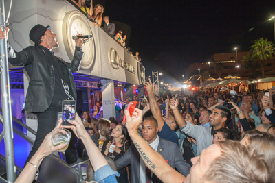 Gavin DeGraw Performing at Los Angeles Food & Wine 2013 (PRNewsFoto/Los Angeles Food & Wine)