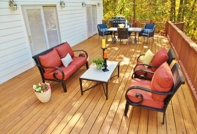 Thompson's Water Seal Waterproofing Stains help get the backyard deck ready to take on the outdoor living season in style.