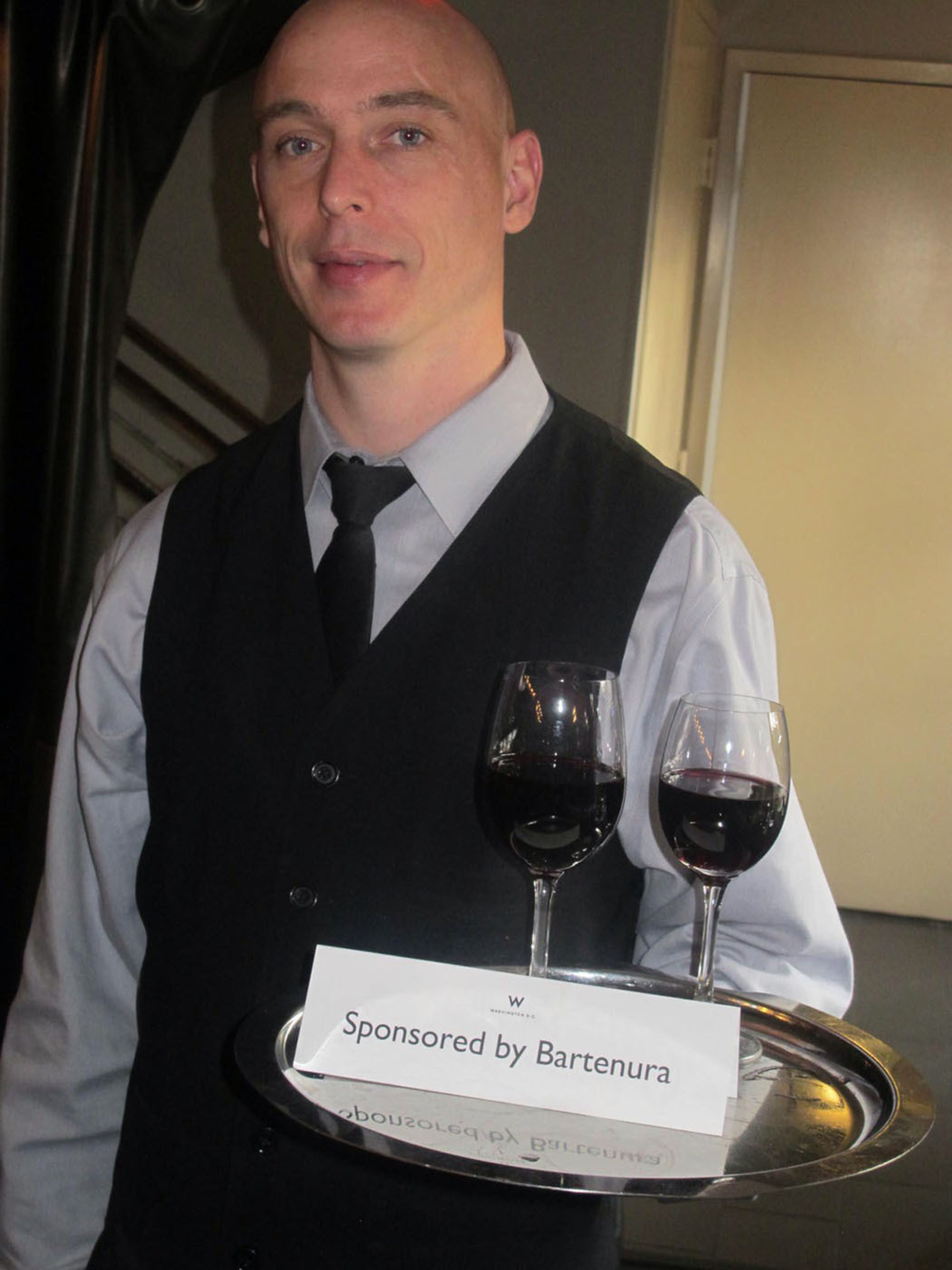 Bartenera waiter.  (PRNewsFoto/Bartenura Wines)