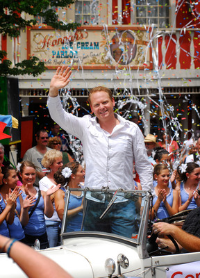 Cheering Crowds Welcome Nik Wallenda Back to his Summer Day Job at Silver Dollar City Theme Park in Branson, Missouri