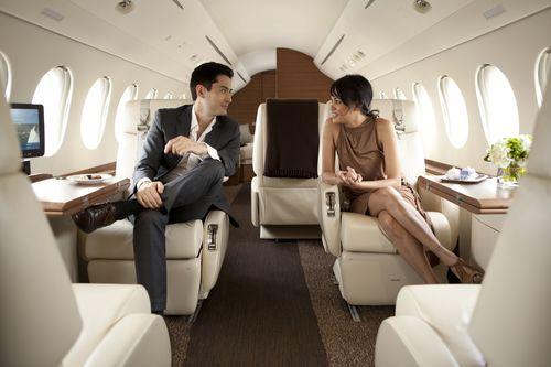 Falcon 7X highly comfortable cabin (PRNewsFoto/Dassault Aviation)