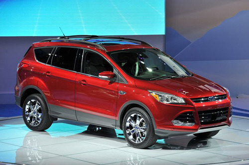 2013 Ford Escape.  (PRNewsFoto/Osseo Automotive)