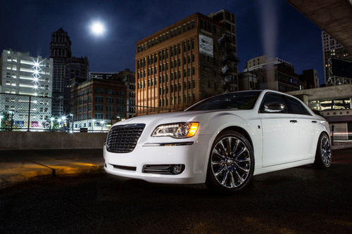 Chrysler Brand Launches Advertising Campaign for the New 2013 Chrysler 300 Motown Edition