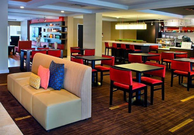 The Courtyard Allentown Bethlehem/Lehigh Valley Airport offers guests The Christmas City Package with deluxe accommodations from $144 to $154 per night, breakfast in The Bistro, one free appetizer redeemable from 5 to 10 p.m. at the eatery and two tickets to Christkindlmarkt, Pennsylvania's must-visit attraction this holiday season. For information, visit www.marriott.com/ABECY or call 1-610-317-6200.  (PRNewsFoto/Courtyard Allentown Bethlehem/Lehigh Valley Airport)