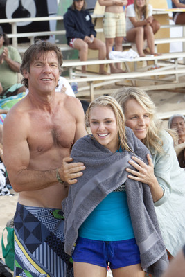 (from left) Dennis Quaid, AnnaSophia Robb as Bethany Hamilton and Helen Hunt in FilmDistrict's SOUL SURFER to be released April 15, 2011. Photo credit Mario Perez. Courtesy of FilmDistrict.  (PRNewsFoto/FilmDistrict)