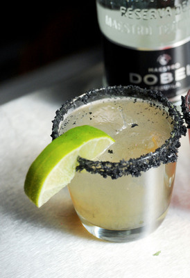 MAESTRO DOBEL(TM) TEQUILA CELEBRATES INDEPENDENT FILM IN PARK CITY WITH EXCLUSIVE CAST DINNERS & INSPIRED COCKTAILS LIKE THE SIGNATURE BLACK DIAMOND MARGARITA. (PRNewsFoto/Dobel Tequila) (PRNewsFoto/DOBEL TEQUILA)