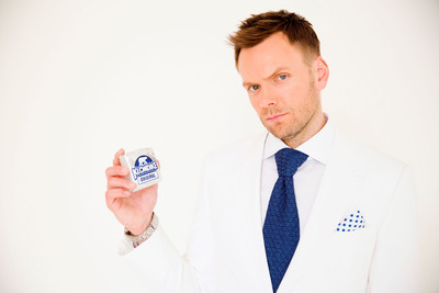 Joel McHale and Klondike® Test Fans' Creativity with the Klondike® Celebrity Challenge