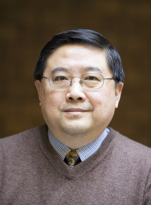Renewable energy expert Deyang Qu has been named as the Johnson Controls Endowed Professor in Energy Storage Research, a collaborative appointment between the company, the University of Wisconsin-Milwaukee (UWM) and the Wisconsin Energy Institute (WEI) in the University of Wisconsin-Madison's College of Engineering.