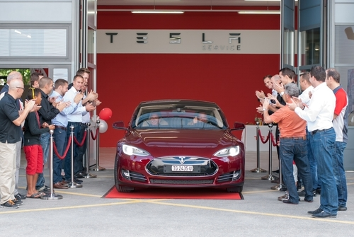 First Swiss customers receive their Model S in Winterthur, Switzerland.