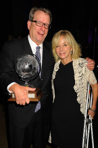 John Huey, former editor-in-chief of Time Inc. and recipient of the Lifetime Achievement Award at the 2013 Gerald Loeb Awards, with Judy D. Olian, dean of UCLA Anderson School of Management.  (PRNewsFoto/UCLA Anderson School of Management)