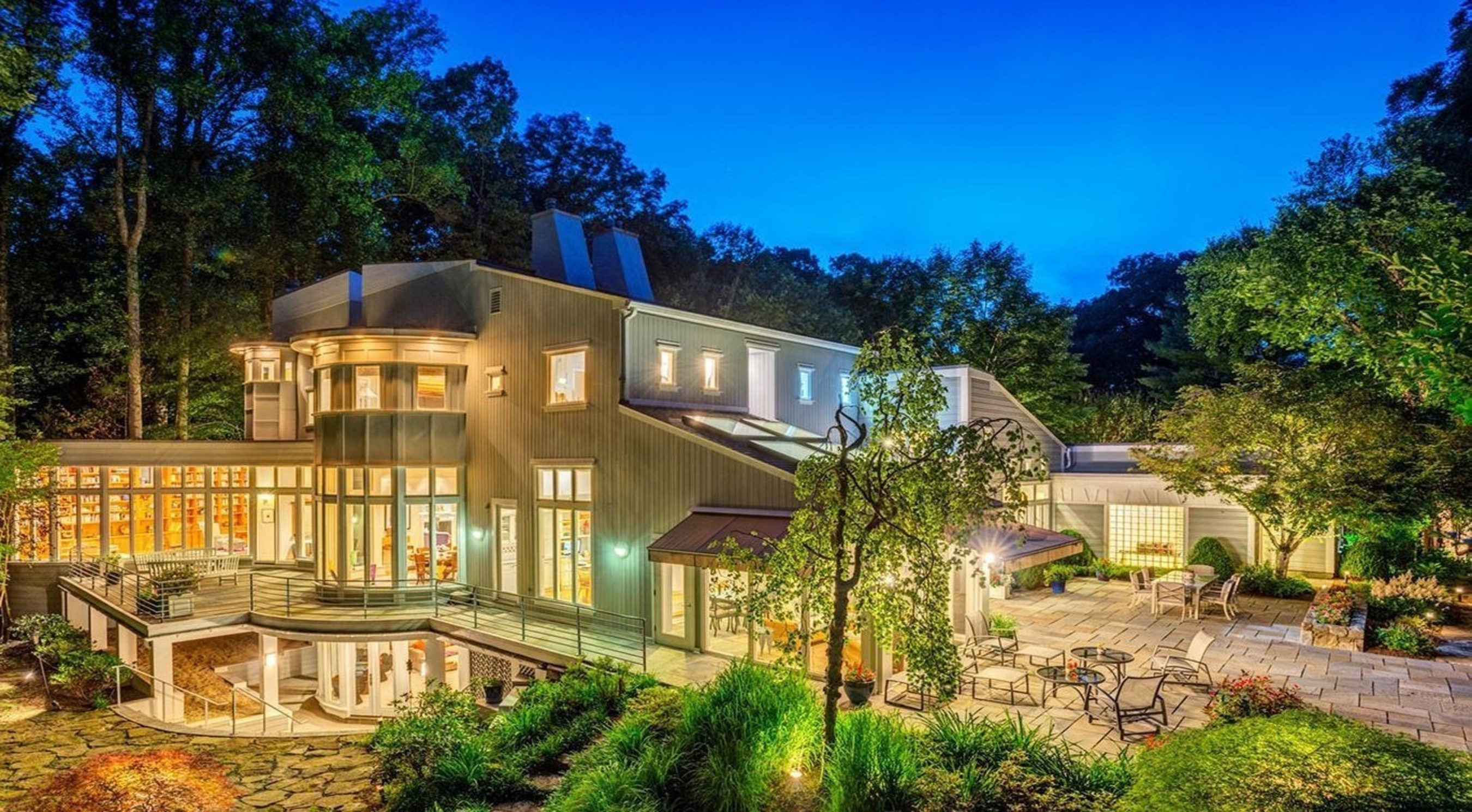 Auction Announced for Modern Estate in Renowned Great Falls, Virginia by DeCaro Luxury Auctions
