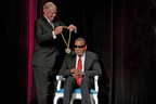 University of Louisville President James R. Ramsey presenting Muhammad Ali with the inaugural Grawemeyer Spirit Award.