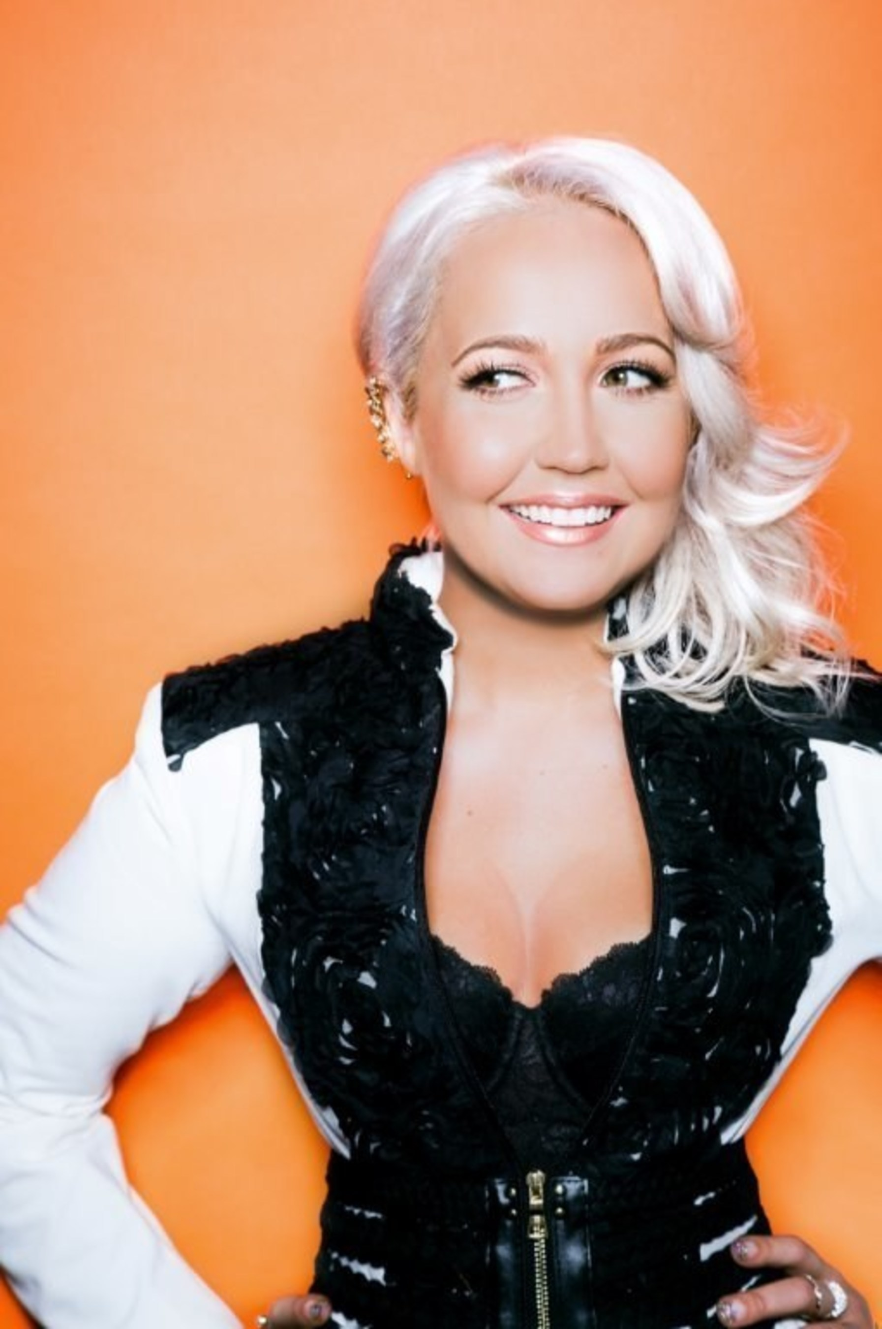"Rising pop star and ""The Voice"" Season 8 runner-up Meghan Linsey will accompany Santa and event sponsors CSX,  Dignity U Wear, Food City and the Kingsport Chamber of Commerce on the Santa Train's 110-mile trek through Appalachia on Nov. 21."