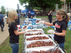 Hooters serves 5,000 chicken wings to the Joplin community after the tornado.  (PRNewsFoto/Hooters of America, LLC)
