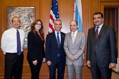 Qatar Airways CEO Meets Mayor Of Chicago To Discuss Economic Impact Of New Flights To City (L to R: Deputy Mayor Steve Koch, Commissioner for the Chicago Department of Aviation, Rosemarie Andolino, Mayor of Chicago, Rahm Emanuel, Qatar Airways CEO Mr. Akbar Al Baker, and the State of Qatar's Ambassador to the United States, His Excellency Mohamed Bin Abdulla Al-Rumaihi) [Photo Credit: Patrick Pyskza//City of Chicago].  (PRNewsFoto/Qatar Airways, Patrick Pyskza/City of Chicago)