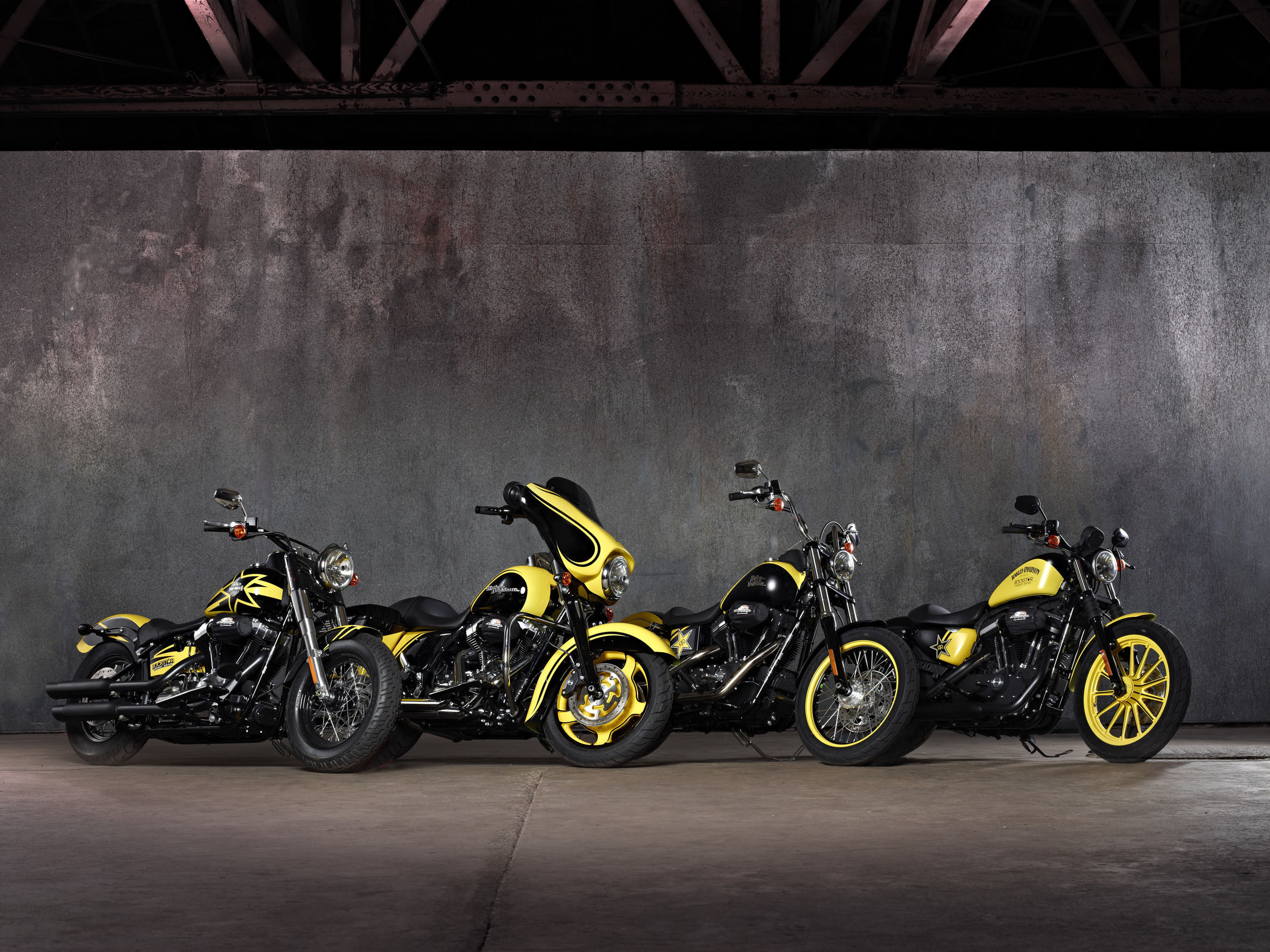 HARLEY-DAVIDSON TAKES STAGE WITH ROCKSTAR ENERGY DRINK.  (PRNewsFoto/Harley-Davidson)