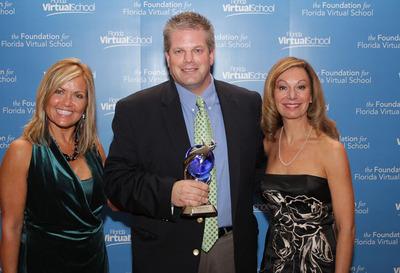 Mobile Beacon Receives the Bridging the Gap Virtie Award.  (PRNewsFoto/Mobile Beacon)