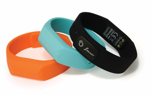 To help motivate a healthy lifestyle, the Ssmart Dynamo 24/7 activity tracker from Oregon Scientific wirelessly communicates activity and sleep data to mobile devices by utilizing Bluetooth Smart Technology.  (PRNewsFoto/Oregon Scientific)