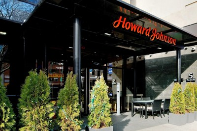 Located in the heart of New York City, the Howard Johnson Manhattan SOHO offers sweeping views of the Manhattan skyline and is one of approximately 20 hotels participating in Howard Johnson's annual Orange Wednesday promotion.