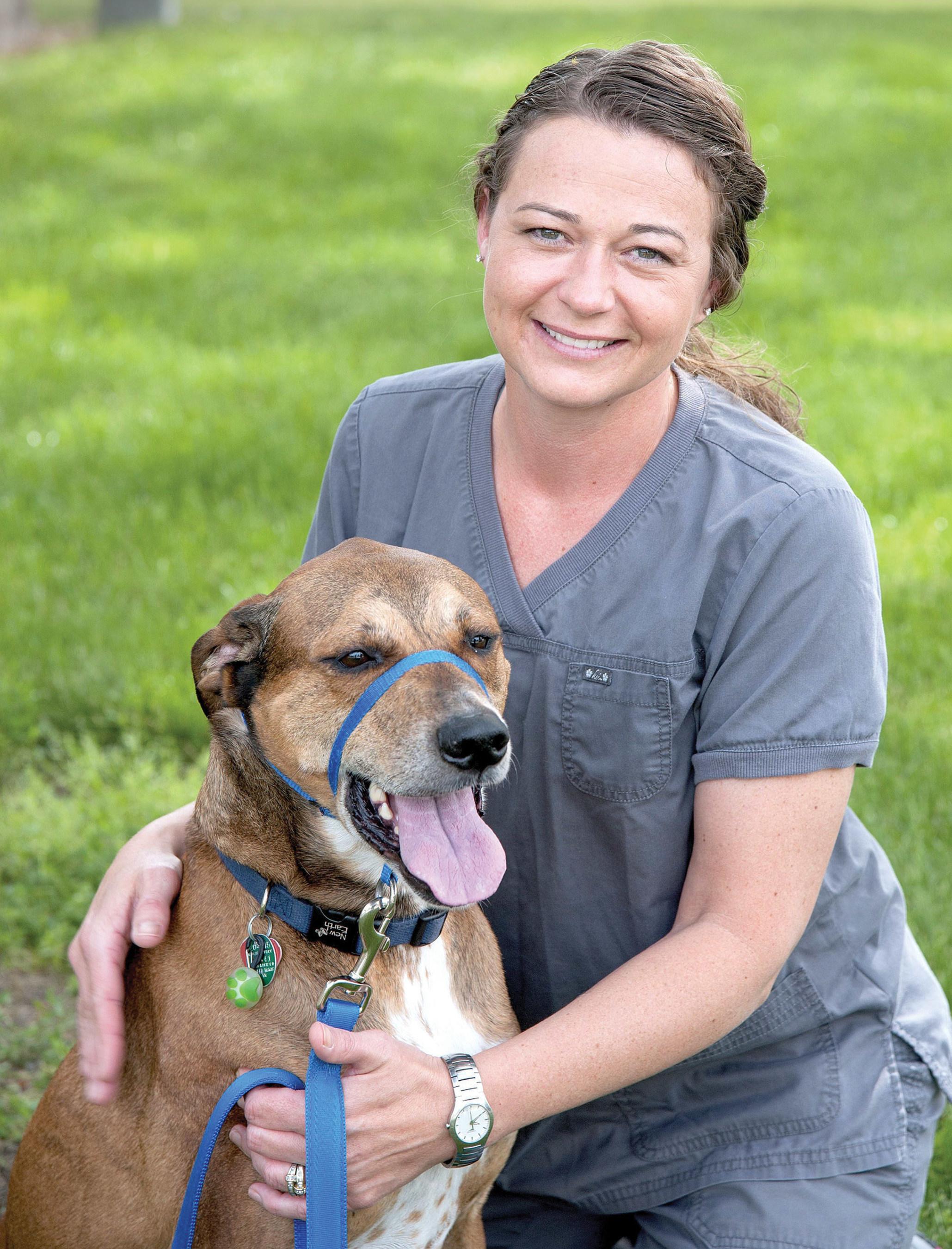 Kim Knap of Urbana, Illinois was named the American Humane Hero Veterinary Technician for 2016.