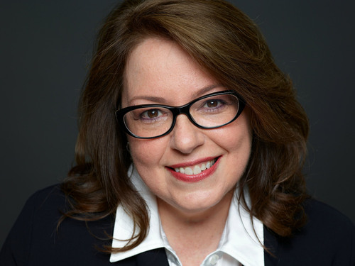 """Lisa Arthur, CMO of Teradata Applications, Untangles the Biggest Problem Facing Business Today in """"Big Data  ..."""