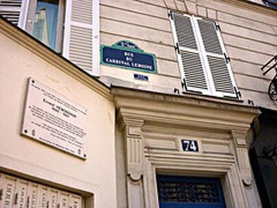 Left Bank Writers Retreat guests will also visit Ernest Hemingway's former Paris apartment (Photo credit: austenevan).  (PRNewsFoto/Left Bank Writers Retreat)
