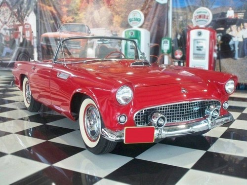 Art Van Furniture's 55th Anniversary Celebration Kicks Off In High Gear At Woodward Dream Cruise With Chance To Win Iconic '55 Ford Thunderbird! (PRNewsFoto/Art Van Furniture)