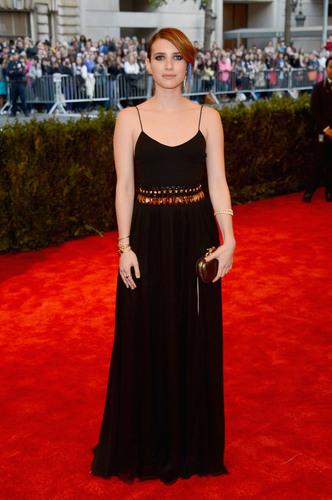 Emma Roberts Wearing Bulgari Jewelry.  (PRNewsFoto/Bulgari)