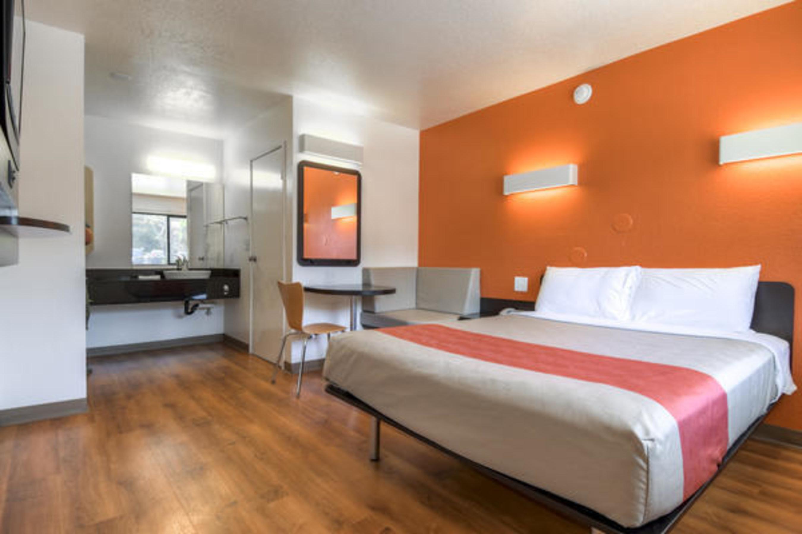 Motel 6 Phoenix Room Design Guest Room