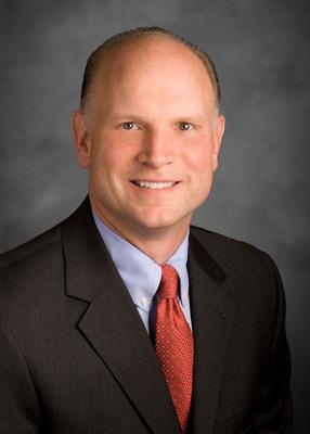Tim Buss joins First Financial Network as Senior Vice President.  (PRNewsFoto/First Financial Network)