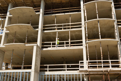 A worker enjoys the view during the North Shore Place Topping Out celebration.  (PRNewsFoto/Senior Lifestyle)