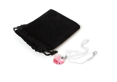 Pink Swarovski Heart Necklace.  (PRNewsFoto/DazzleDaily.com)