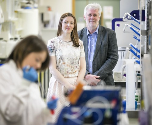 (Left to right) Dr Suzanne McPherson joins Professor Ken Mills both from Cancer Research and Cell Biology centre at Queen's University, Belfast say its crowdfunding platform ResearchFunderNI.com could accelerate the speed at which new cancer drugs could be used in clinics by up to 12 years. Picture by Brian Morrison. (PRNewsFoto/ResearchFunderNI)