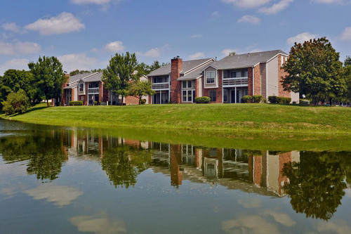 TGM Associates Acquires A Large Multifamily Community In Willowbrook, IL