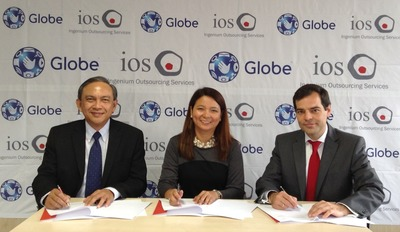 Globe Chief Executive Officer & Executive Vice President for International and Business Markets Gil Genio and Globe Senior Vice President for International Business Rizza Maniego-Eala formalize Globe Telecom's partnership with Ingenium Outsourcing Services, S.L.U. through its CEO Sergio Cano Ferrer. (PRNewsFoto/Globe Telecom, Inc.)