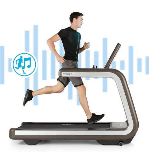 FIRST MUSIC INTERACTIVE TREADMILL BY TECHNOGYM (PRNewsFoto/Technogym)