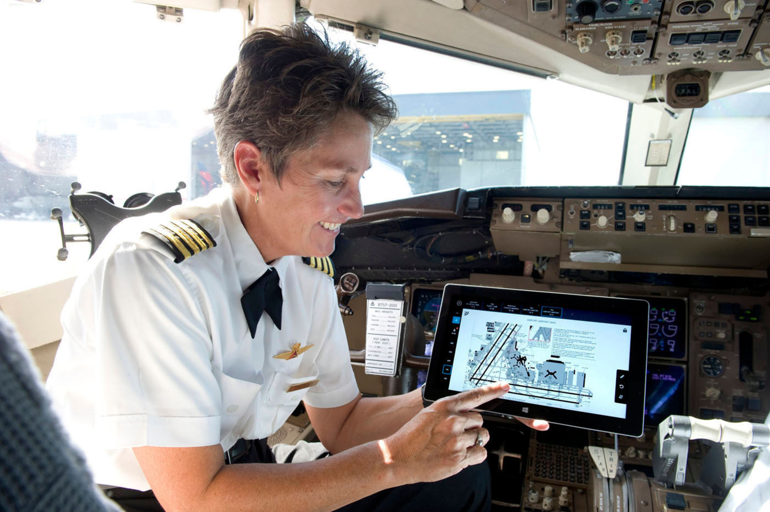 The innovative Surface 2 tablet provides flight crews with easy access to essential tools and the most up-to-date flight-related resources.   (PRNewsFoto/Delta Air Lines)