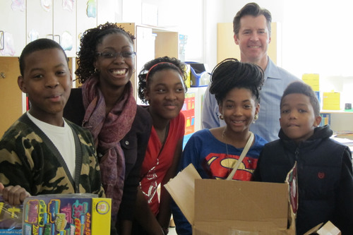 Park View Elementary teacher Janay Washington and her third-grade students receive their CITGO Fueling ...