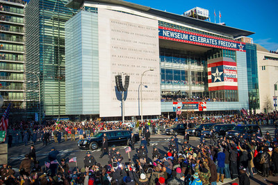 President Barack Obama's motorcade passes by the Newseum on Inauguration Day in 2013.