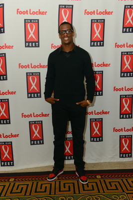 NY Jets Quarterback Geno Smith Joins Foot Locker Foundation, Inc. at 13th annual On Our Feet fundraising gala.  (PRNewsFoto/Foot Locker Foundation, Inc.)