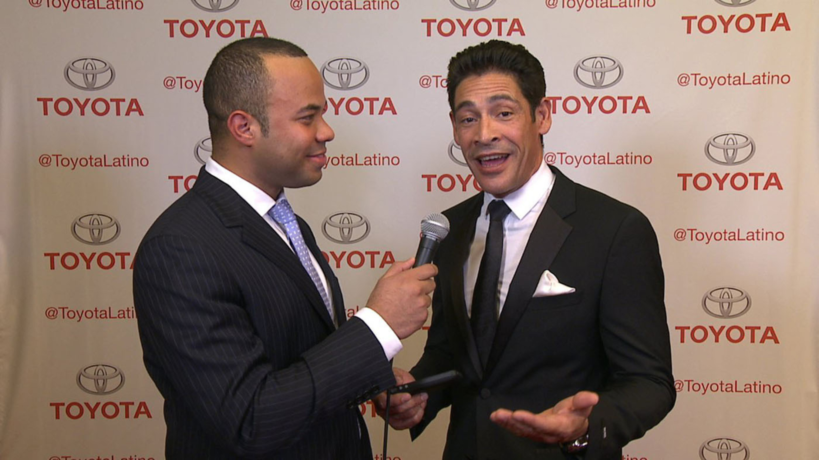 Toyota spokesperson Javier Moreno speaks with celebrity Johnny Lozada at the Latinos in Tech Innovation and Social Media 2012 conference. #LATISM12. (PRNewsFoto/Toyota) (PRNewsFoto/TOYOTA)
