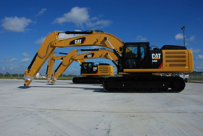 Production begins at the new Caterpillar excavator facility in Victoria, Texas.  (PRNewsFoto/Caterpillar Inc.)