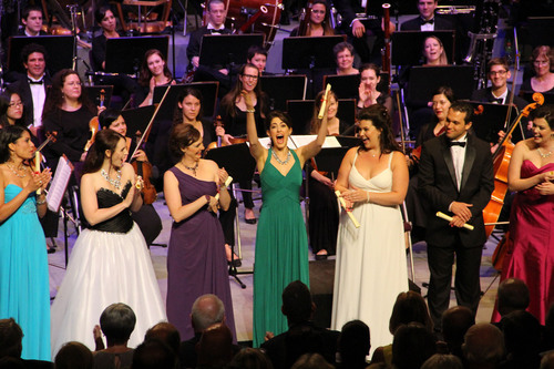 Angela Theis receives the Audience Choice Award at the Meistersinger Vocal Competition. (PRNewsFoto/AVL, Joel ...
