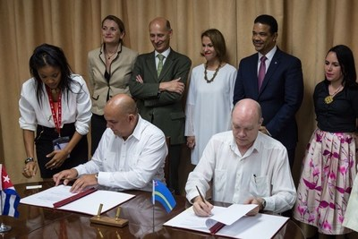 Aruban and Cuban Governments Sign a Memorandum of Understanding for Tourism and Transportation