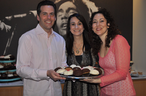 Co-Chair Steve Marks, President & Founder Debbie Zelman, and Co-Chair Suzanne Morrell.(PRNewsFoto/Debbie's Dream Foundation: Curing Stomach Cancer)