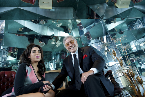 Never before released photo of Amy Winehouse and Tony Bennett taken from the Body and Soul recording session at  ...