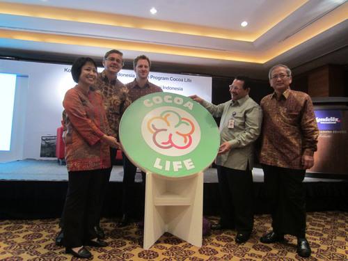 Mondelez International Launches Cocoa Life Sustainability Program in Indonesia