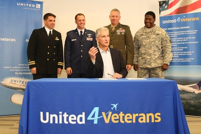 Flanked by veterans and members of the uniformed services, United Airlines Chairman, President and Chief Executive Officer Jeff Smisek today signed a Statement of Support affirming the company's commitment to the National Guard and Reserves.