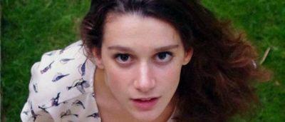 Garance Degos : 17 years old, top French swimmer – and semi-pro cellist. Garance Degos – 17 ans, nageuse de haut niveau – et musicienne semi-professionnelle – exemple des multiples talents de la nouvelle jeunesse. (PRNewsFoto/momondo)